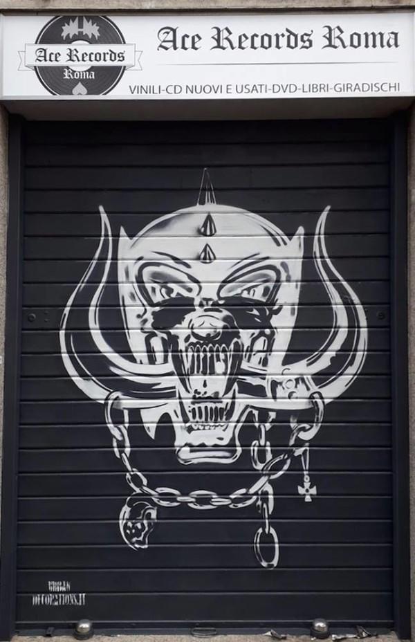 decorazione-serranda-negozio-dischi